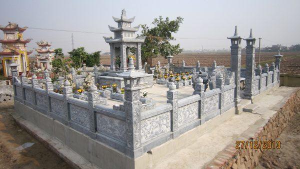 khu lăng mộ đá lớn