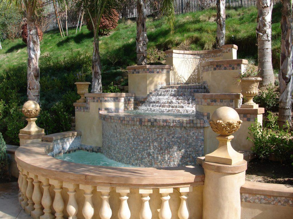 tháp phun nước bằng đá tự nhiên
