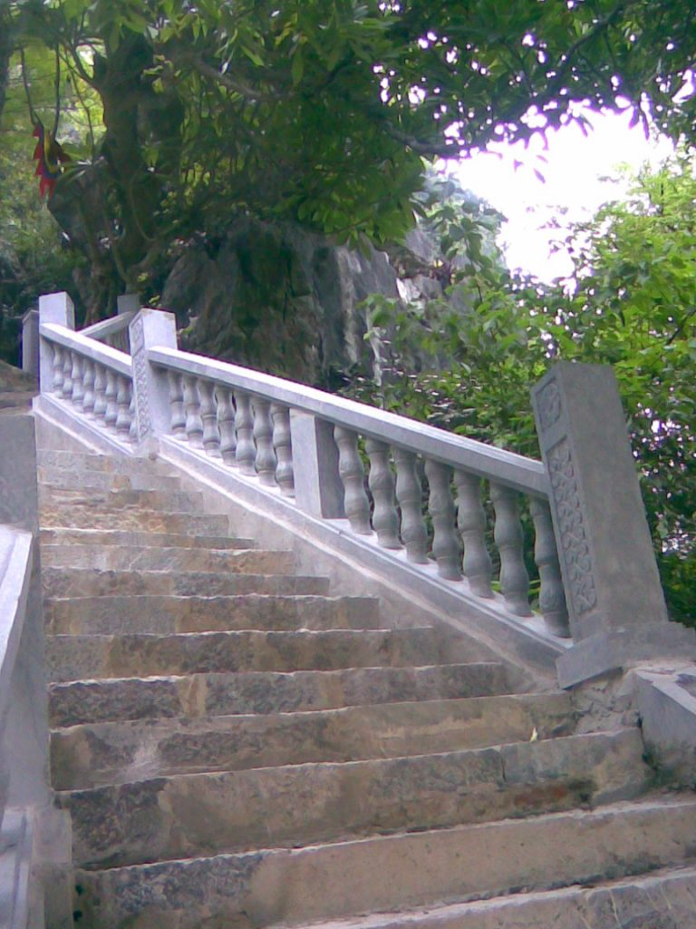 lan can song tiện