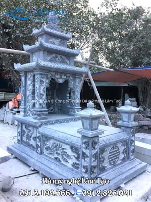 Mẫu mộ ba mái đẹp được thiết kế, thi công bởi Đá mỹ nghệ Lâm Tạo với kích thước 107x167 chuẩn số đẹp theo thước lỗ ban
