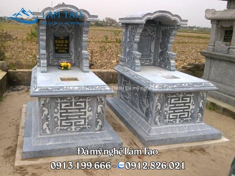 2 ngôi mộ một mái bằng đá xanh Thanh Hóa nguyên khối đẹp, chạm khắc hoa văn tinh sảo sắc nét