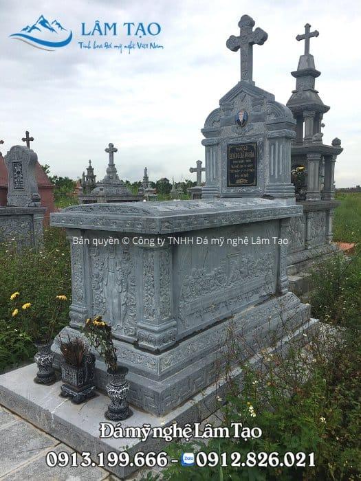 Mẫu lăng mộ công giáo chạm khắc phù điêu đức mẹ Maria và bức họa nổi tiếng bữa ăn tối cuối cùng của danh họa nổi tiếng Leonardo da Vinci