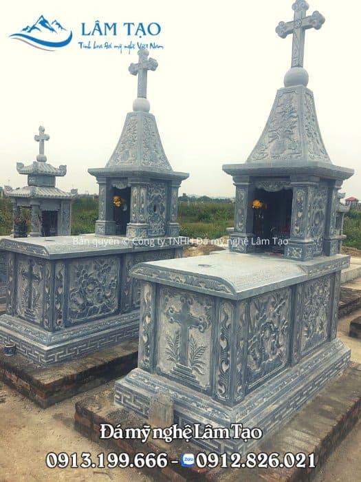 2 ngôi mộ đạo đẹp thiết kế độc đáo với phần mái chóp ở bên trên
