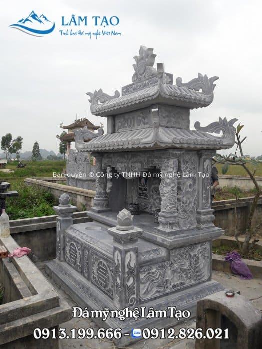 Mẫu mộ đá hai mái đẹp được lắp đặt cho khuôn viên nghĩa trang nhà chú Quân, tỉnh Ninh Bình