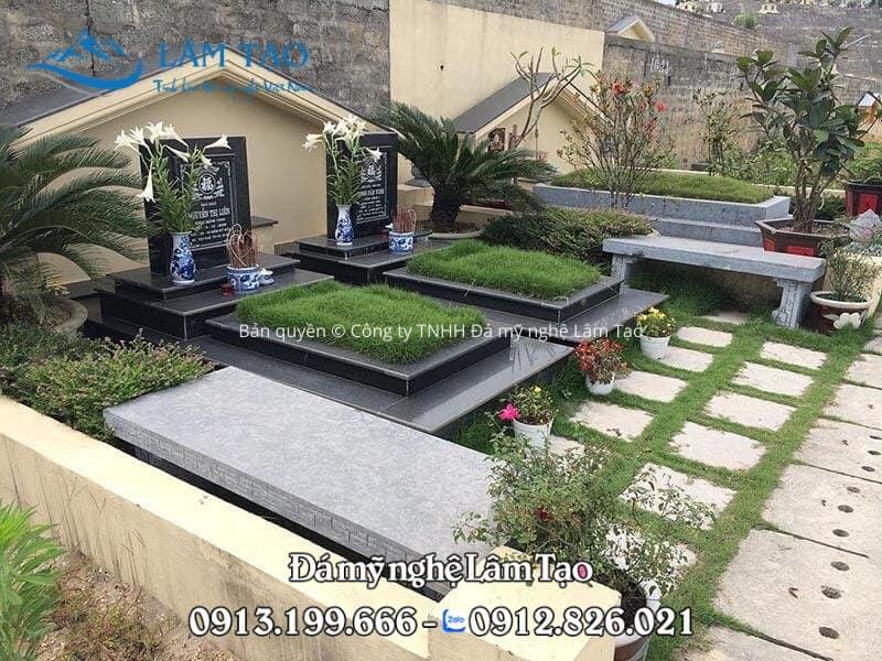 2 ngôi mộ Granite đẹp nằm cạnh nhau kích thước 81x147 được lắp tại công viên nghĩa trang Vĩnh Hằng Viên