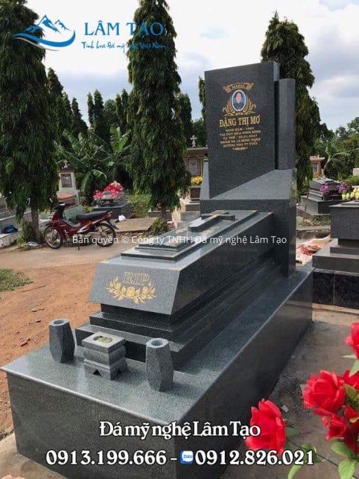 Ngôi mộ Granite cẩm thạnh đẹp được làm tại Ninh Bình với những đường cắt vát tinh tế