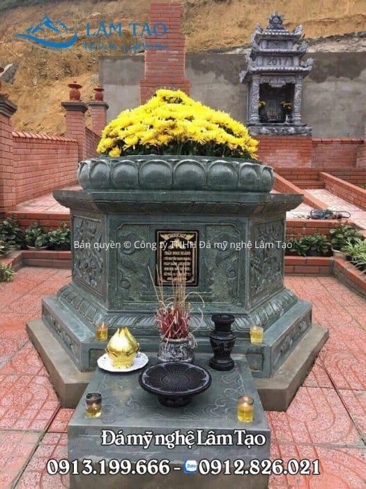 Giá mộ bát giác bằng đá xanh rêu cao cấp
