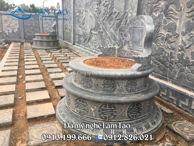 Ngôi mộ tròn đẹp làm bằng đá xanh nguyên khối được công ty TNHH Đá mỹ nghệ Lâm Tạo lắp đặt tại Nghệ An