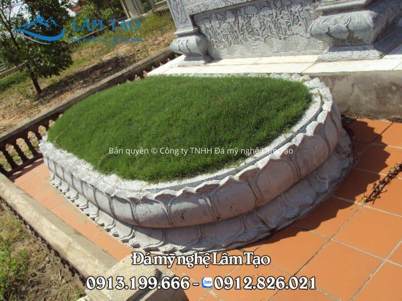 Mộ tròn đá với thiết kế độc đáo hình bán nguyệt