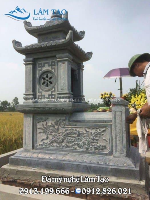 Phần nắp được làm bằng phẳng, tiện lợi cho việc bày đồ lễ và dọn vệ sinh