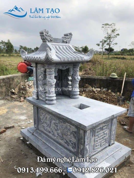 Mộ một mái đẹp với phần mái được làm dạng ống ngói kích thước 89x147 được Đá mỹ nghệ Lâm Tạo thiết kế thi công và lắp đặt hoàn thiện cho khách hàng tại Thanh Hóa