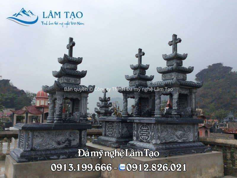 Ngôi đá công giáo ba mái tại khu nghĩa trang tỉnh Nam Định