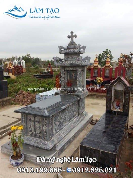 Mẫu mộ công giáo bằng đá đen Thanh Hóa có hai mái che