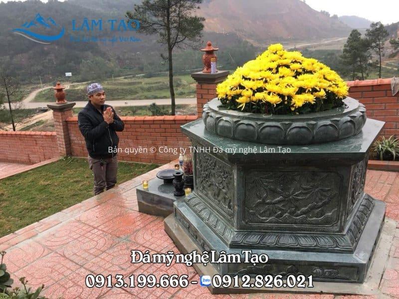 mẫu mộ đá lục giác bằng đá xanh rêu cao cấp